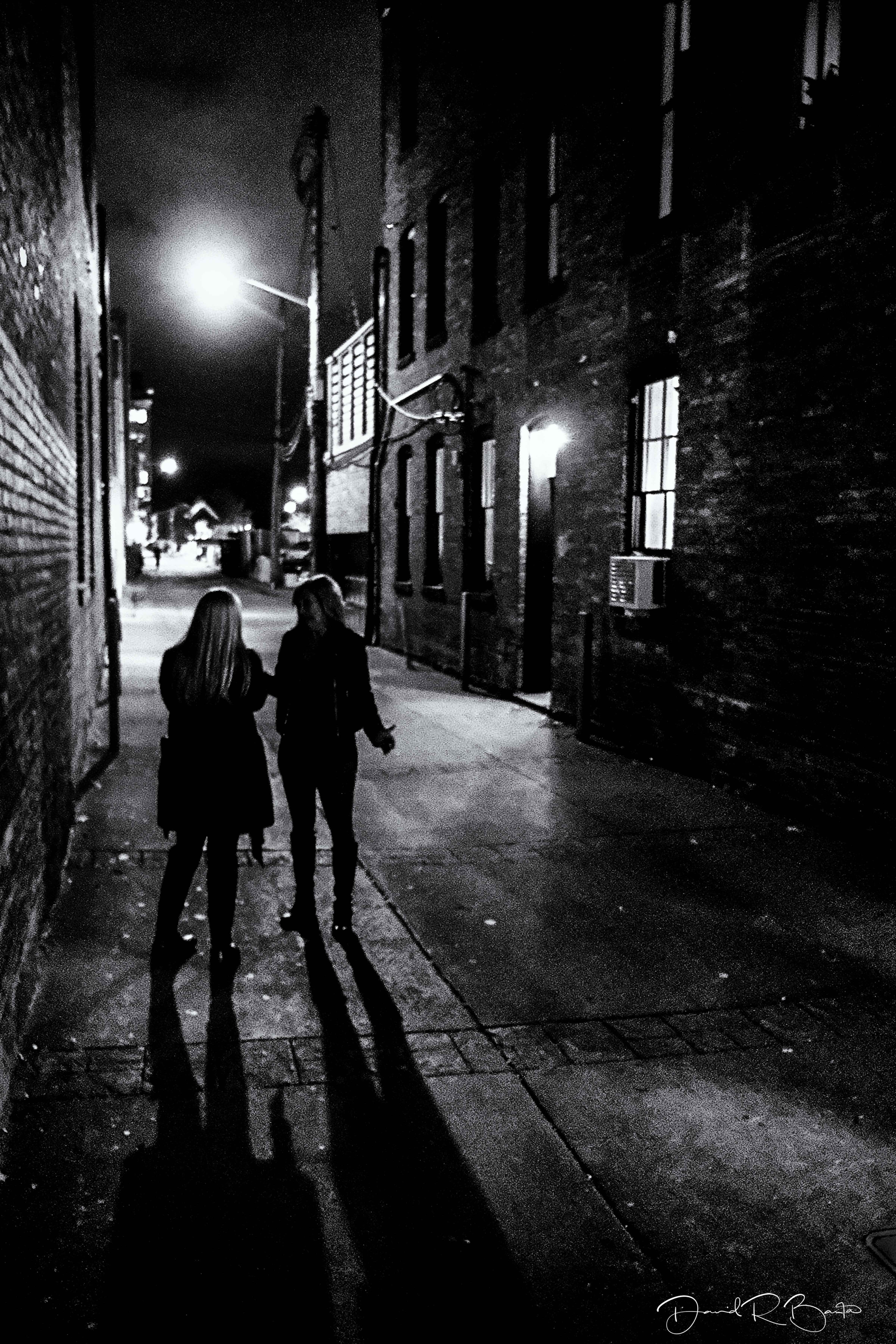 TWO-WOMEN-IN-AN-ALLEYweb